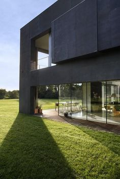 """This house appeals to my modern sensibilities and my fear of the zombie apocalypse. """"The Safe House"""" by KWK Promes. Zombie Apocalypse House, Zombie Proof House, Apocalypse Survival, Container House Design, Container Houses, Architecture Details, Kinetic Architecture, Resident Evil, Bedrooms"""