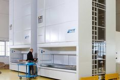 Vertical carousels Australia is a leading provider of vertical storage system and vertical shelving to help maximize warehouse floor space and streamline warehouse picking systems.