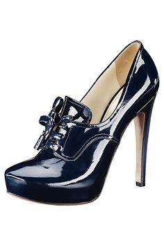 Prada Women's Accessories 2010 Fall-Winter - Prada Boots - Ideas of Prada Boots - Prada Women's Accessories 2010 Fall-Winter Pretty Shoes, Beautiful Shoes, Hot Shoes, Shoes Heels, Heeled Boots, Shoe Boots, Mode Rock, Shoe Show, Prada Shoes