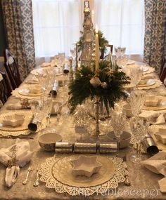 Christmas  Table...so extremely beautiful!!