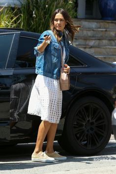 Jessica Alba Jessica Alba Style, Cool Style, My Style, Spring Looks, Hollywood Celebrities, Matching Outfits, Mix Match, Lace Skirt, Celebrity Style