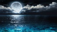 Domingo, 16, é dia de convocar a família para assistir a um fenômeno emocionante: a superlua. A partir das 21 horas, corra para a janela e aprecie a lua, que estará cerca de 25 mil km mais próxima da terra. O fenômeno somente acontece no período de lua cheia, justamente quando o satélite está mais próxi