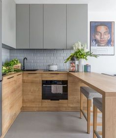 7 Cheap And Easy Tips: Kitchen Remodel Ideas Modern kitchen remodel peninsula subway tiles.Kitchen Remodel Peninsula Subway Tiles kitchen remodel with island crown moldings.Kitchen Remodel With Island Sinks. Apartment Kitchen, Home Decor Kitchen, Rustic Kitchen, Interior Design Kitchen, Kitchen Furniture, Home Design, New Kitchen, Home Kitchens, Kitchen Designs