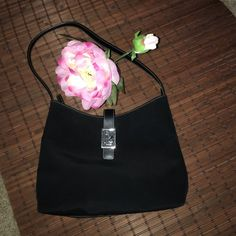 "RALPH LAUREN PURSE RALPH LAUREN FABRIC PURSE. Top Zipper Closure. One inside Zipper Pocket.   24"" Strap from End to End.   9.5""  Height and 12"" Width.  Gently used.  A BEAUTIFUL CLASSIC PURSE. Ralph Lauren Bags Shoulder Bags"