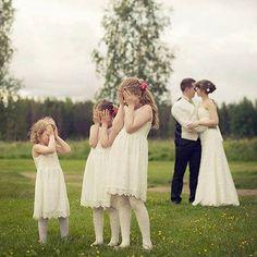 Ouch! #repost @siniminttu  #photography #photographer #photooftheday #picoftheday #photosession #wedgo #wedgonet #destinationphotography #destinationweddings #wedding #weddingphotographer #wedding #couple #kids #kiss #weddingday