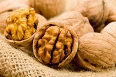 Walnuts are packed with omega 3 fatty acids, which are necessary for cellular repair. They also strengthen the skin's natural sun-barrier function. Healthy Fats List, Healthy Brain, Different Nuts, Brain Food, Weight Loss Diet Plan, Good Fats, Omega 3, Kraut, How To Lose Weight Fast