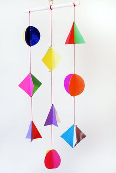 geometric mobile by kitiya palaskas Creative Activities For Kids, Crafts For Kids To Make, Kid Crafts, Decor Crafts, Paper Mobile, Mobile Art, 3d Templates, Mobiles For Kids, 3d Art