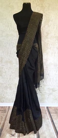 How to Select the Best Modern Saree for You? Indian Attire, Indian Wear, Indian Dresses, Indian Outfits, Indian Clothes, Jute, Modern Saree, Black Saree, Stylish Sarees