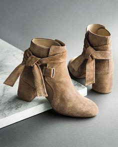 6f45610f729 76 Best wedding shoes images | Shoe boots, Shoes heels, Slippers