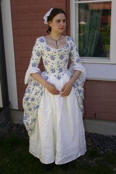Before the Automobile ---- amazingly good hobbyist seamstress