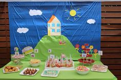 Peppa Pig Party - back drop and themed food