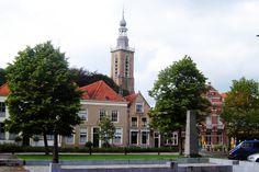 In de loop der eeuwen werd de kerk uitgebreid, maar ook regelmatig beschadigd door onder andere de Tachtigjarige Oorlog. De gevelsteen met het jaartal 1646 herinnert hier nog aan. De torenspits werd in 1625 toegevoegd.