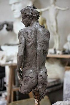 Christophe Charbonnel was born in Nantes in Sculptures Céramiques, Art Sculpture, Modern Sculpture, Ceramic Sculptures, Hijab Mode, Art Du Monde, Arte Robot, 3d Prints, Body Sculpting