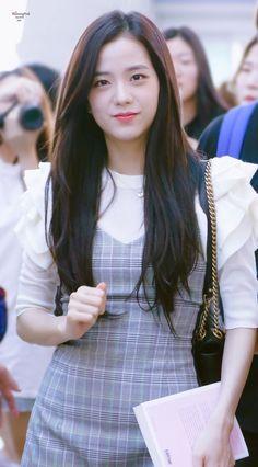 Find BlackPink Clothes, KPOP Skirts & KPOP Dresses for an affordable price Kim Jennie, Kpop Girl Groups, Korean Girl Groups, Kpop Girls, Blackpink Fashion, Korean Fashion, Fashion Outfits, Blackpink Jisoo, Black Pink ジス