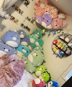 Cute Bedroom Decor, Room Design Bedroom, Room Ideas Bedroom, Kawaii Plush, Cute Plush, Cool Fidget Toys, Cute Squishies, Cute Room Ideas, Kawaii Room