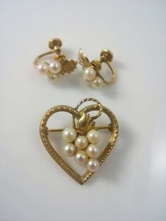 Demi Parure DCE 14KT GF Faux Pearl Screw Back by ThisThriftyGirl