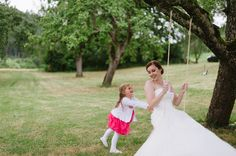 Wedding Show, Wedding Reception, Germany Destinations, Destination Wedding Photographer, Getting Married, Flower Girl Dresses, Wedding Photography, Wedding Dresses, Party