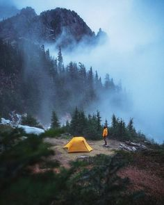 World Camping. Tips, Tricks, And Techniques For The Best Camping Experience. Camping is a great way to bond with family and friends. As long as you have the informati Camping Places, Winter Camping, Camping And Hiking, Camping Life, Camping Gear, Camping Trailers, Backpacking Gear, Camping Stuff, Camping Essentials