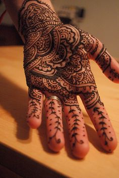Indian-style palm by Red Tent Henna and Blessing Ceremonies