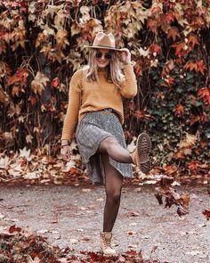 """FASHION & TRAVEL auf Instagram: """"Guten Morgen ihr Schönheiten 💁🏼♀️ Es ist Samstag 8:30 und ich bin schon auf den Beinen. 😆 Wir fahren jetzt mal schnell 6 Looks Shooten und…"""" Outfit, Hipster, Bohemian, Instagram, Style, Fashion, Fashion Styles, Good Morning, Outfits"""