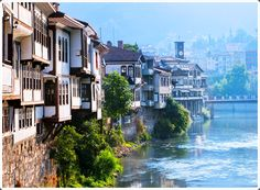 Amasya is a province of Turkey, situated on the Yesil River in the Black Sea Region to the north of the country. Turkey Vacation, Turkey Travel, Places To Travel, Places To Visit, Turkey Stock, Visit Turkey, Famous Places, Beautiful Places In The World, Black Sea