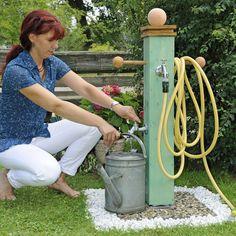 Kaltwasserversorgung im Garten mit Marleys Kaltwassersystem Outdoor Sinks, Garden Shop, Patio, Watering Can, Garden Projects, Backyard Landscaping, Exterior Design, Landscape, Decoration
