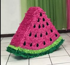 - - - PIÑATA DE MELÓN‼️‼️‼️ Tropical Party, Birthday Parties, Blanket, Crochet, Frases, Anniversary Parties, Birthday Celebrations, Crochet Crop Top, Rug