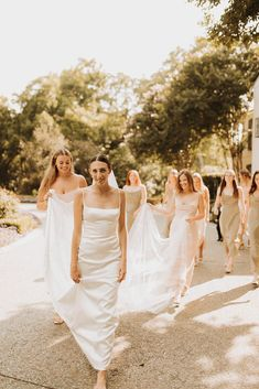 Searching for modern wedding ideas? Check out this chic and contemporary Dallas celebration that concluded with a silent disco party! Green Wedding Shoes, Dream Wedding Dresses, Bridal Portrait Poses, Marquee Events, Wedding Dress Boutiques, Wedding Day Timeline, Nyc Wedding Photographer, Bridal Pictures, Last Dance