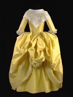 Robe à l'anglaise retroussé ca. 1780-82 From the Gemeentemuseum via Vergeten Harlingers