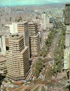 Imagen de mediados de la década de los años 70's de la glorieta de Colón en dirección hacia el Norte de la Ciudad.