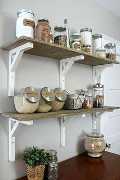 bocaux le parfait en verre transparents, jolie cuisine murs gris dans la cuisine grise