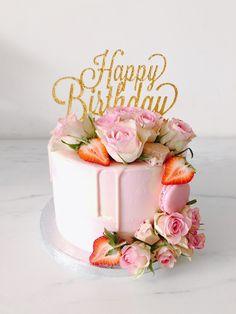 22nd Birthday Cakes, Elegant Birthday Cakes, Birthday Cake For Mom, Pretty Birthday Cakes, Pretty Cakes, 22 Birthday, Women Birthday, Birthday Cake For Women Simple, Chocolate Cake Designs