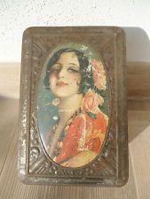 BOITE TOLE LITHO LITHOGRAPHIE METAL BOX TIN ANCIENNE FEMME 1800/1900 A IDENTIFIE