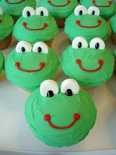 Froggy Cupcakes - cute! to go with the book! maybe first day of school?