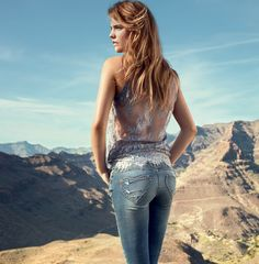 TWIN-SET Jeans collection: Lace top and slim denim trousers