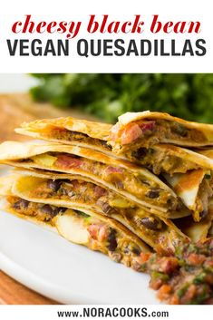 Cheesy Vegan Quesadillas with Black Beans and Vegetables These cheese vegan quesadillas are a must-make! Made with creamy vegan cashew Vegan Mexican Recipes, Best Vegan Recipes, Vegan Dinner Recipes, Veggie Recipes, Whole Food Recipes, Vegetarian Recipes, Cooking Recipes, Healthy Recipes, Quesadillas