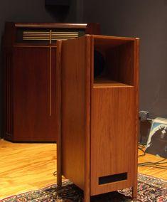Shindo Lafite Horn Speakers, Diy Speakers, Built In Speakers, Stereo Speakers, Fi Car Audio, Hifi Audio, Hifi Store, Custom Consoles, Speaker Box Design