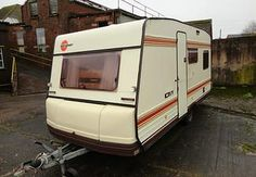 The cozy retro caravan renovation project | The renovation diary