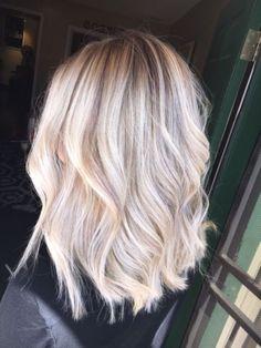 15 Short Baby Blond Hair Blonde Hairstyles Lowlights Highlights Balayage P Baby Blonde Hair, Brown Blonde Hair, Brassy Blonde, Blonde Hair For Fall, Icy Blonde, Light Blonde, Brunette Hair, Longbob Hair, Balayage Blond