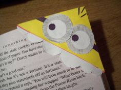Diy Despicable Me Minion BookmarkU, I think I would make a few of these in purple !