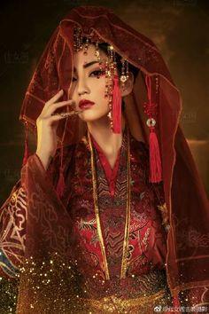 Oriental Dress, Oriental Fashion, Chinese Fashion, Hanfu, Cheongsam, Exotic Women, Beautiful Asian Women, Wedding Drawing, Princess Aesthetic