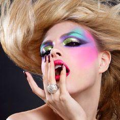 LUKE DUVAL_make up_photography_fashion_sexy_woman_hair_glamour Vintage Makeup, Retro Makeup, 1980 Makeup, Makeup Art, Hair Makeup, 1980s Makeup And Hair, Beauty Make-up, Beauty Hacks, Hair Beauty