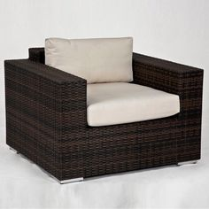 Source Outdoor King Collection All Weather Wicker Lounge Chair - SO-2001-101