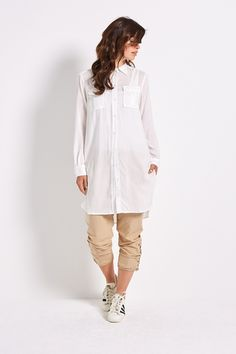 Morning Glow | Fashion | Tunic | White | See trough | Pants | Capri | Camel | Lookbook