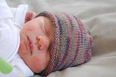 Darcie over coffee: sock yarn and baby hats Perfect quick pattern. New born hat. Size 1 or 2 dpns