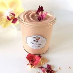 This rose cream is unique with its triple action of roses. A successful combination of rose water, rose infused oil and rose essential oil gives this cream outstanding benefits for your skin. Uses For Rose Water, Uses Of Rose, Rose Oil For Skin, Oils For Skin, Facial Cream, Facial Toner, Homemade Cosmetics, Rose Essential Oil, Infused Oils
