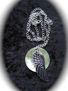 """Halsband """"Silvervinge"""" - Halsband med silverpläterad kedj..."""