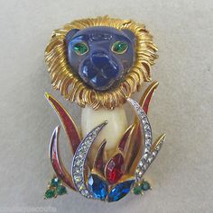 Hattie Carnegie vintage enamel and rhinestone lion pin