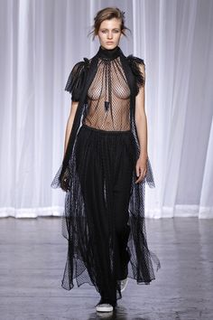 Zadig & Voltaire S/S 18 Show (Zadig & Voltaire) Sexy Outfits, Sexy Dresses, Fashion Outfits, Womens Fashion, Fashion Images, Fashion Models, Fashion Show, Fashion Oops, Iranian Women Fashion