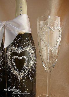 """Купить Свадебное шампанское """"Влюбленные сердца"""" - свадебное шампанское, свадебные бокалы, свадебные аксессуары"""